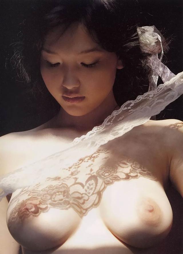 Reon Kadena,  gravure idol, el blog del erotismo