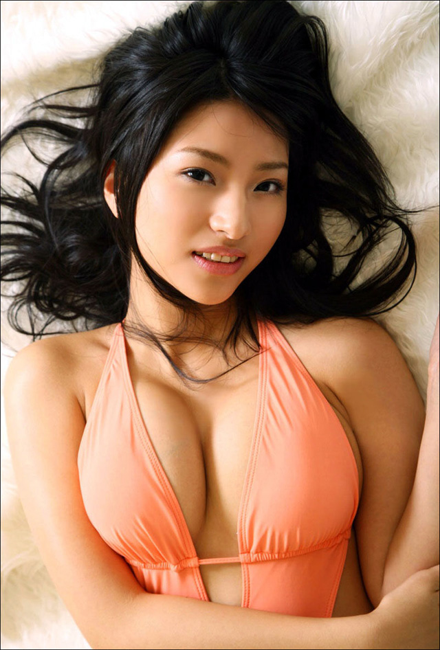 Nina-Minami, gravure idol, el blog del erotismo